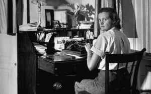daphne-du-maurier-writing-at-desk-xlarge